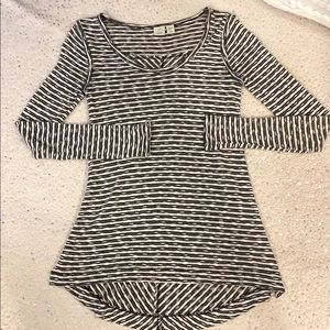 Lucy & Laurel Striped Sweater XS